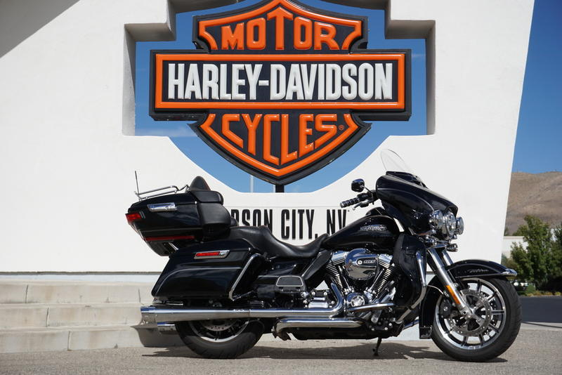 Pre-Owned 2014 Harley-Davidson Ultra Classic Touring FLHTCU